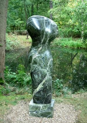 Green sculpture at Hannah Peschar