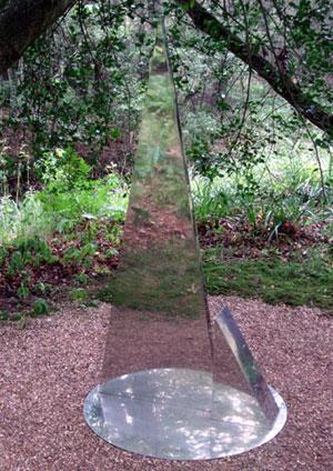 Reflecting triangle sculpture at Hannah Peschar