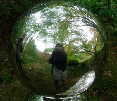 Reflection in sculpture at Hannah Peschar