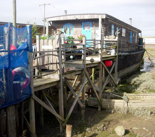 A Shoreham Houseboat